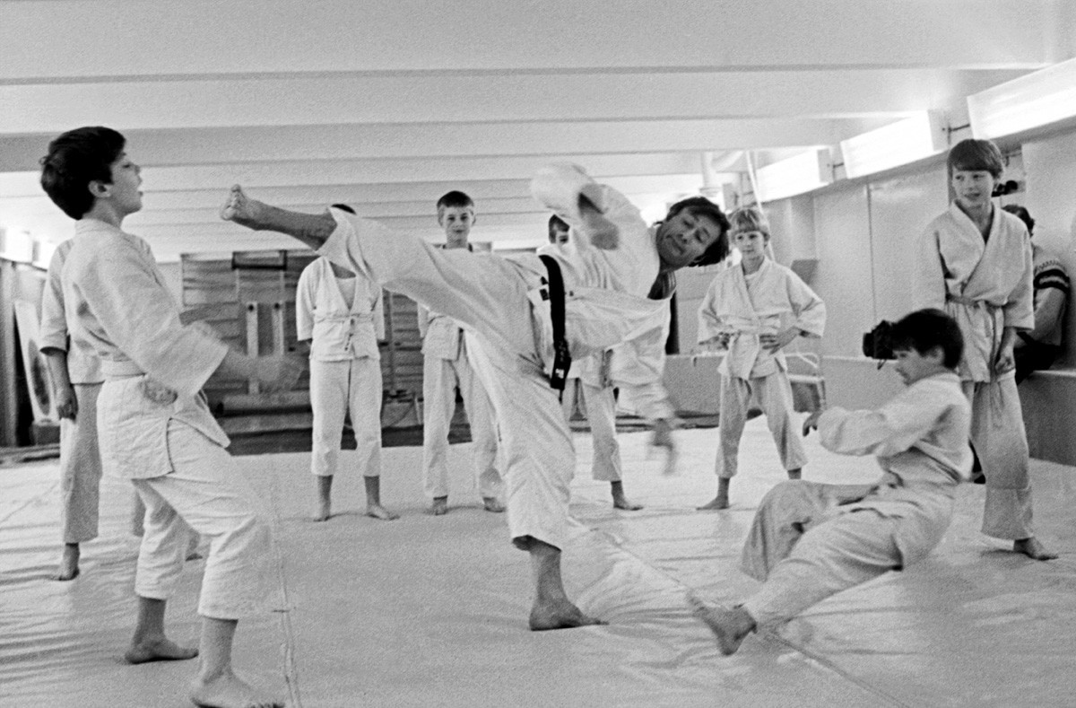 фотографии из книг по каратэ в ссср узнать