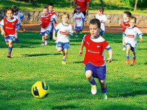 Как научиться хорошо играть в футбол