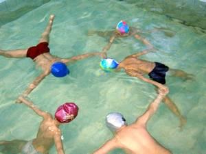 """Как научиться плавать. Упражнение под названием """"звёздочка""""."""