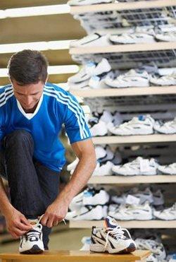 Как выбрать кроссовки: примерка