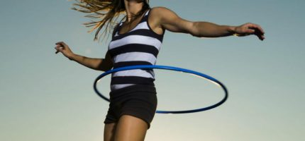 Эффективный комплекс упражнений с обручем (хула-хупом)