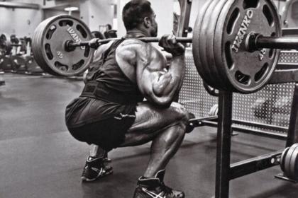 Упражнения на ноги в тренажерном зале